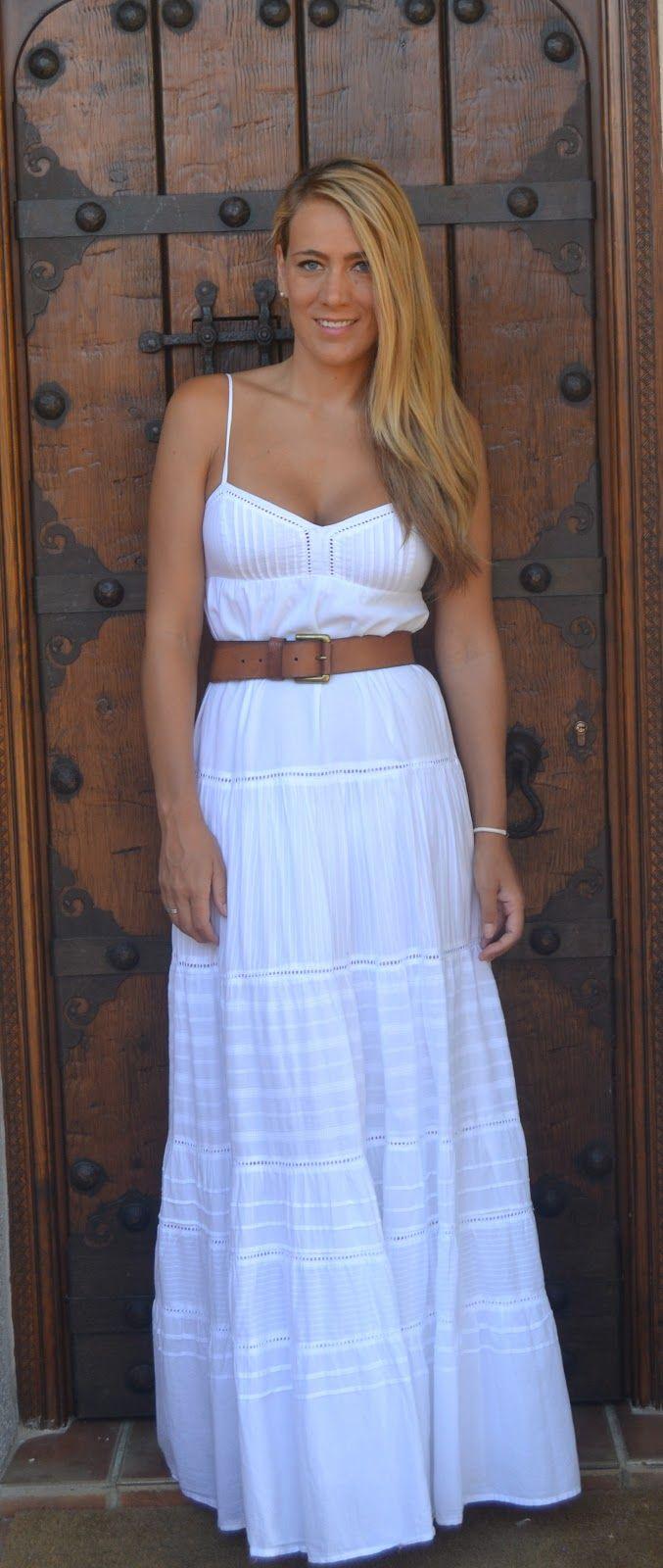 Vestidos blancos ibicencos en sevilla