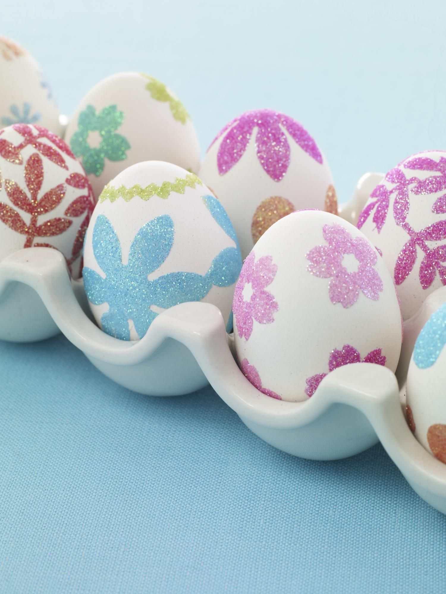 No-Dye Easter Eggs: from familycircle.com #easter