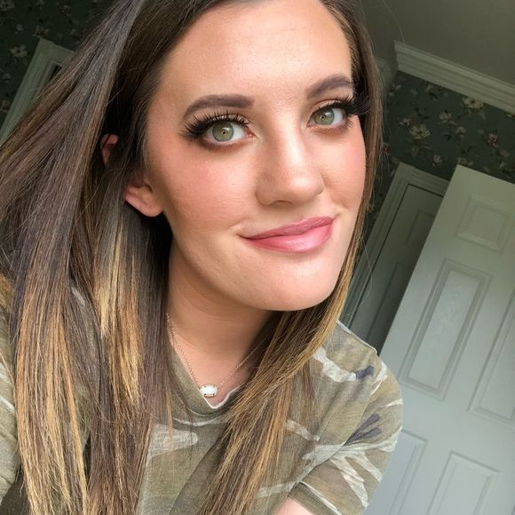 Hi, I'm Tayler! 4x party cohost & suggested user Hi! I'm Tayler! I am a 4x party host and a suggested user. Welcome to my closet! I am an Alabama girl and an Atlanta Braves lover! I am married to the most amazing man ever and have a little boy named Eli! I have not been on here for quite some time so I am in the process of recreating a wonderful place for you to shop and browse! Please know offers are always welcome! ❤️ Meet the Posher Other #iammarried