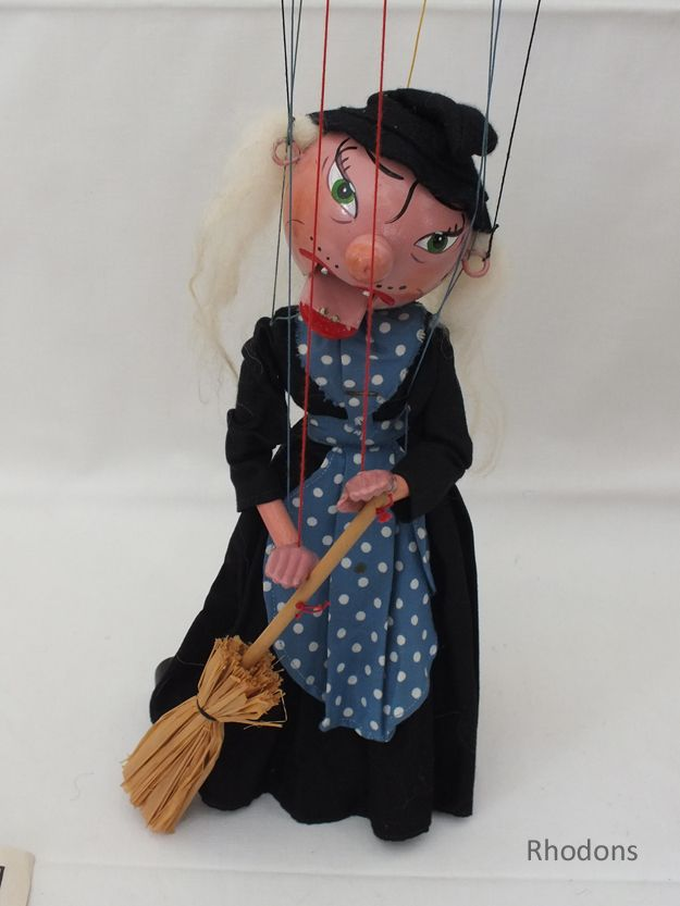 Vintage Pelham Puppet Witch (120927-001 / 12-11804-RC/EY) - For Sale with Rhodons Collectables