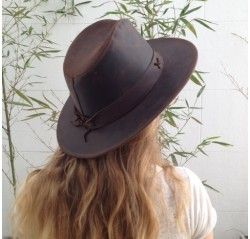 Leather Hat. Genuine cow leather. Lined inside. Color: Brown ( single color). Oil-treated leather Sizes: S, M, L, XL , XXL.