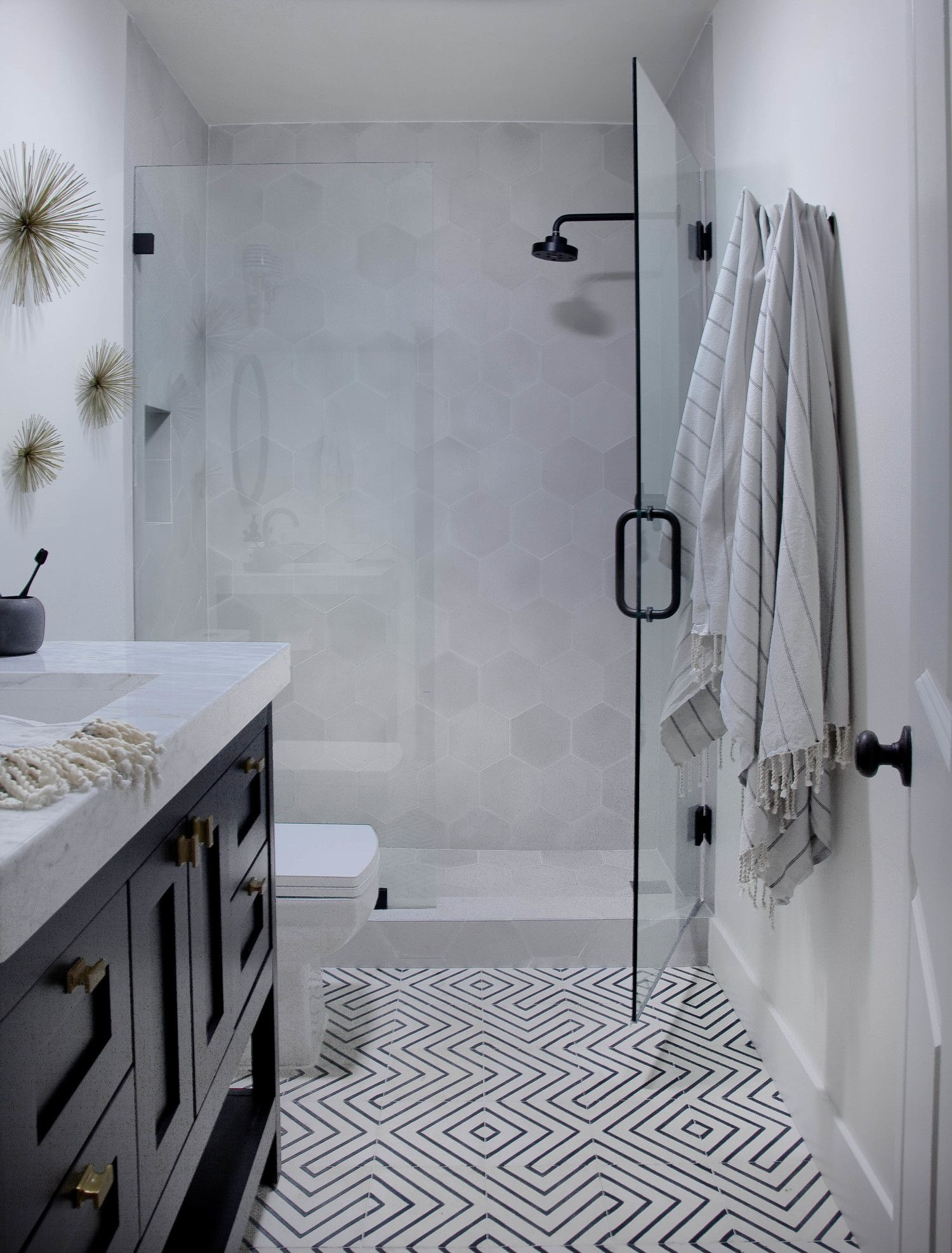 Today I 39 M Sharing The Complete Remodel Of A Condo I Worked On In Westwood Los Angeles I Eclectic Bathroom Bathroom Tile Inspiration Modern Bathroom Tile