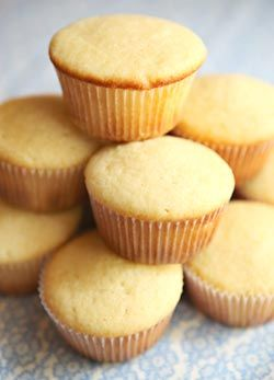 quick and easy vanilla cupcakes