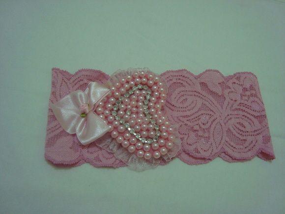 Faixa em renda com elastano com lindo coração em pérolas rosa com ...