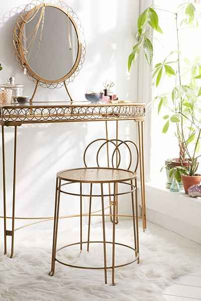 Plum Bow Wire Loop Vanity Urban Outfitters Apartment