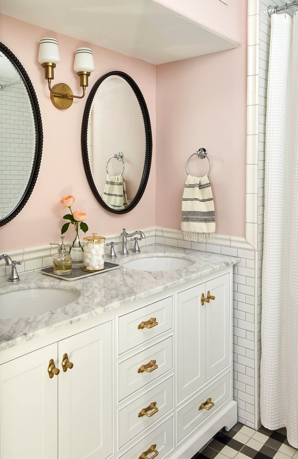 Photo of Accent Walls Are In: The 8 Best Bathroom Trends to Try in 2020
