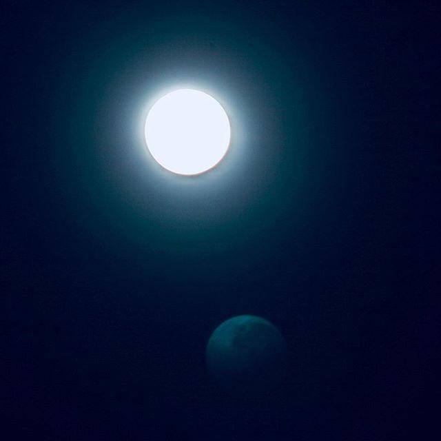 Bright full moon over the Irish Sea - whats that below?? #moon #moonlight #fullmoon #night #nightsky #nightskyphotography #sky #dark #darkness #nightlife #winter #wintermoon #irish #irishsea #northernireland #naturalbeauty #nature #northernireland #photography #photographer #photo #photooftheday #instapic #whiskeystraight #whiskeystraightal #irishsea Bright full moon over the Irish Sea - whats that below?? #moon #moonlight #fullmoon #night #nightsky #nightskyphotography #sky #dark #darkness #nig #irishsea