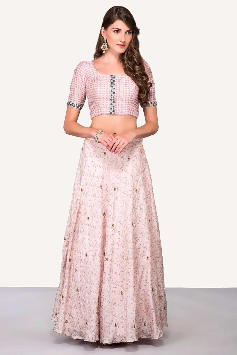 441528aa8c2cd India s largest fashion rental service