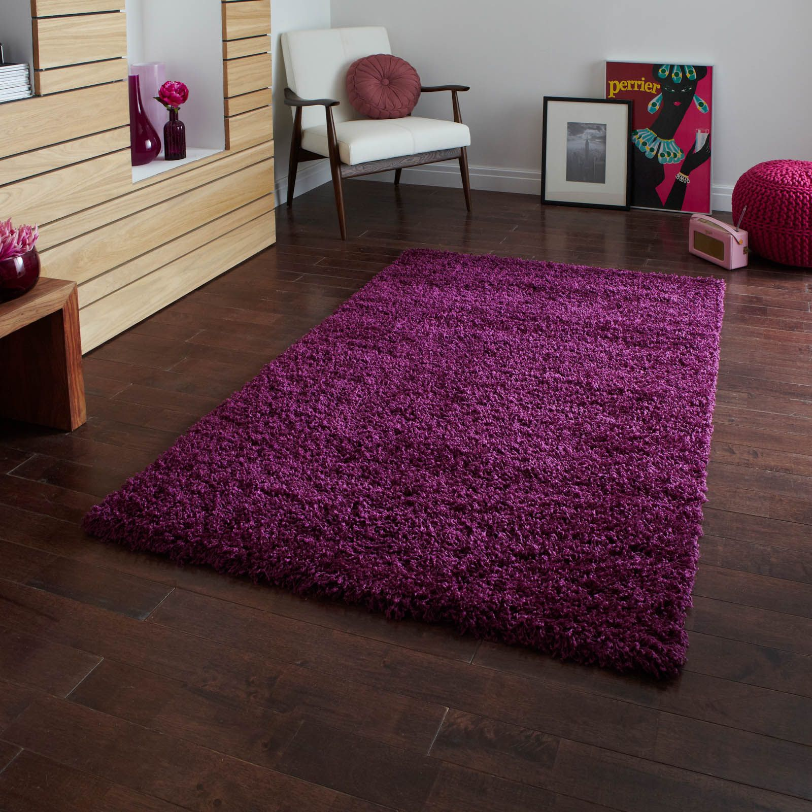 Vista rugs are power loomed with a non shed, stain resistant, 100% polypropylene pile. Choose from a large selection of sizes and colours.