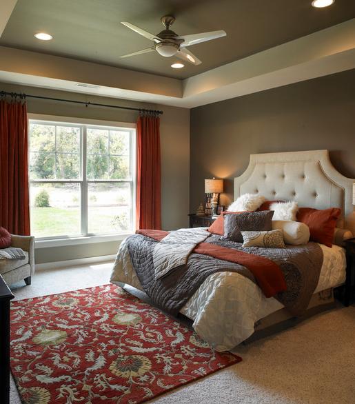 الالوان المحايده Neutrals البيج العاج الابيض الرمادى الفاتح الرما Bedroom False Ceiling Design Transitional Bedroom Design False Ceiling Bedroom