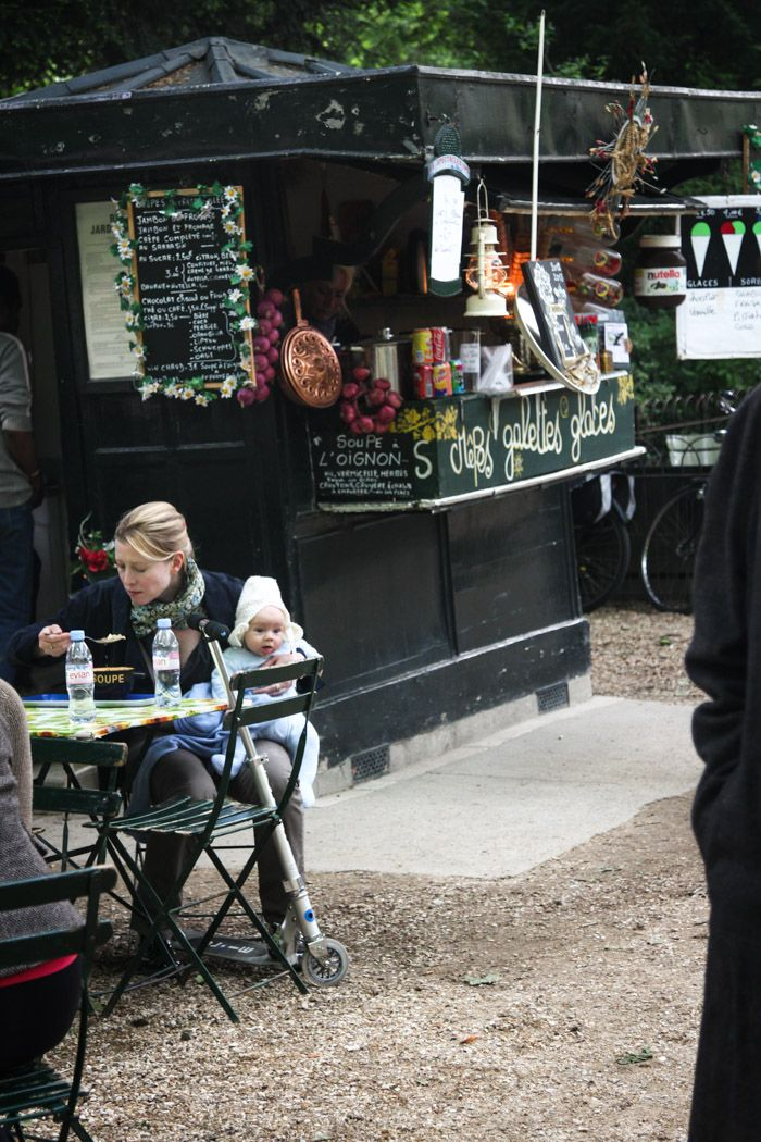 Eating in the luxembourg gardens jardin du luxembourg in - Station metro jardin du luxembourg ...