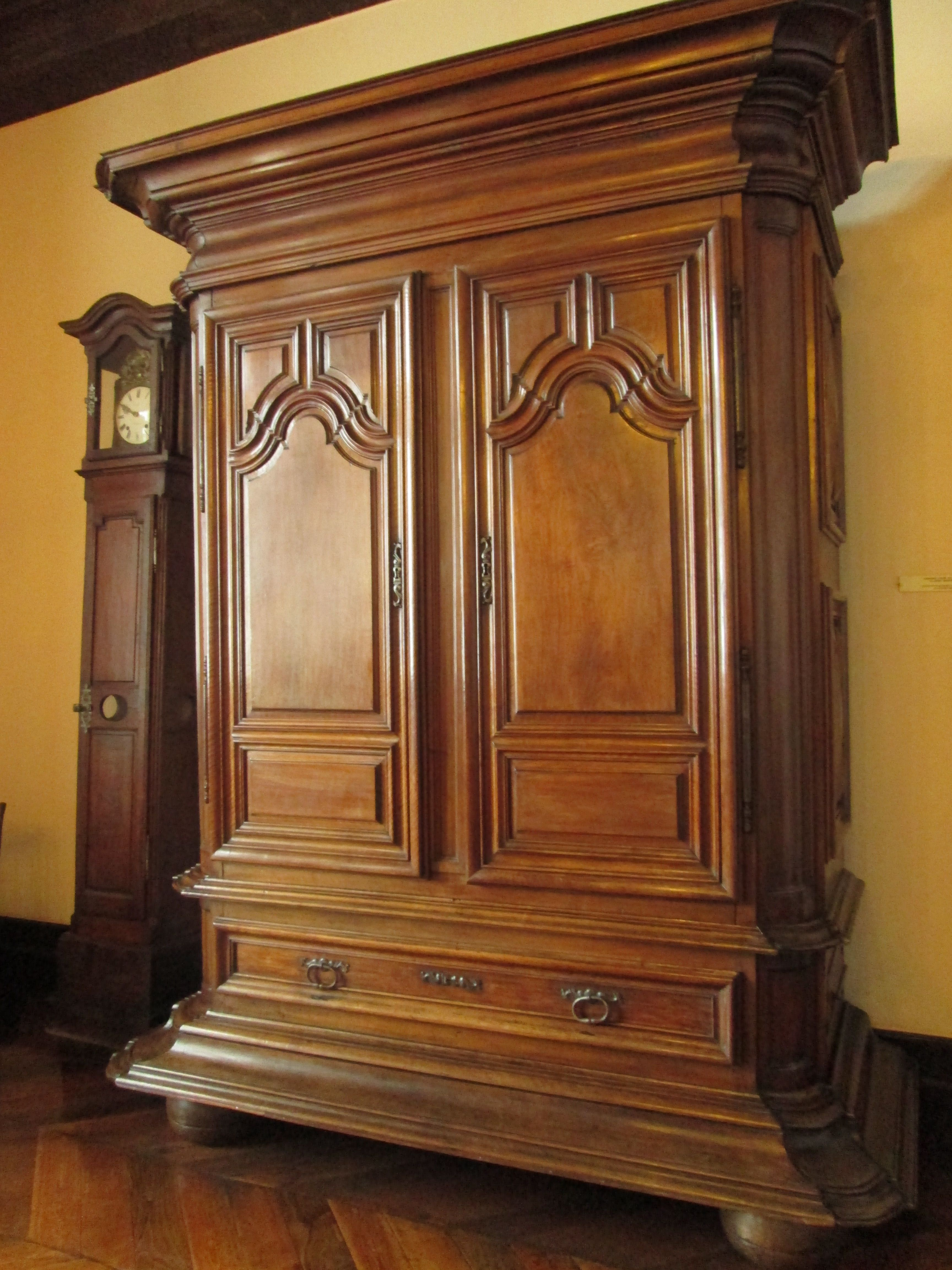Chateau De Monbazillac Rez De Chauss E Grand Salon Armoire  # Armoire De Salon
