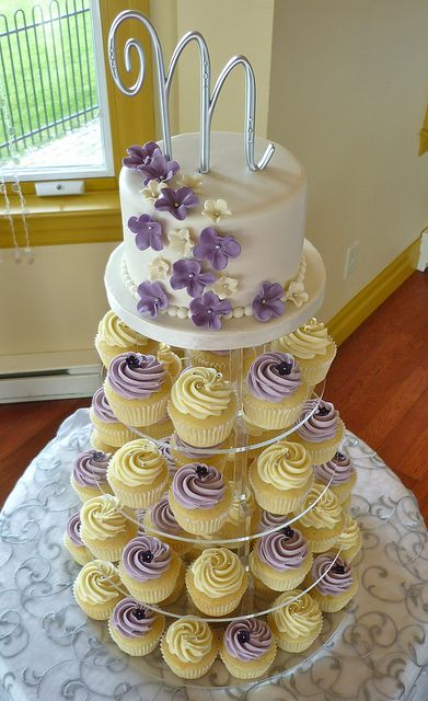 Ivory Lilac Wedding Cupcakes Wedding Cakes With Cupcakes
