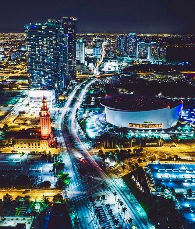 Miami Shared By Capt 305 Http Www Capt305 Com Miami Private Yacht Charters Miami Nightlife Downtown Miami South Beach Miami
