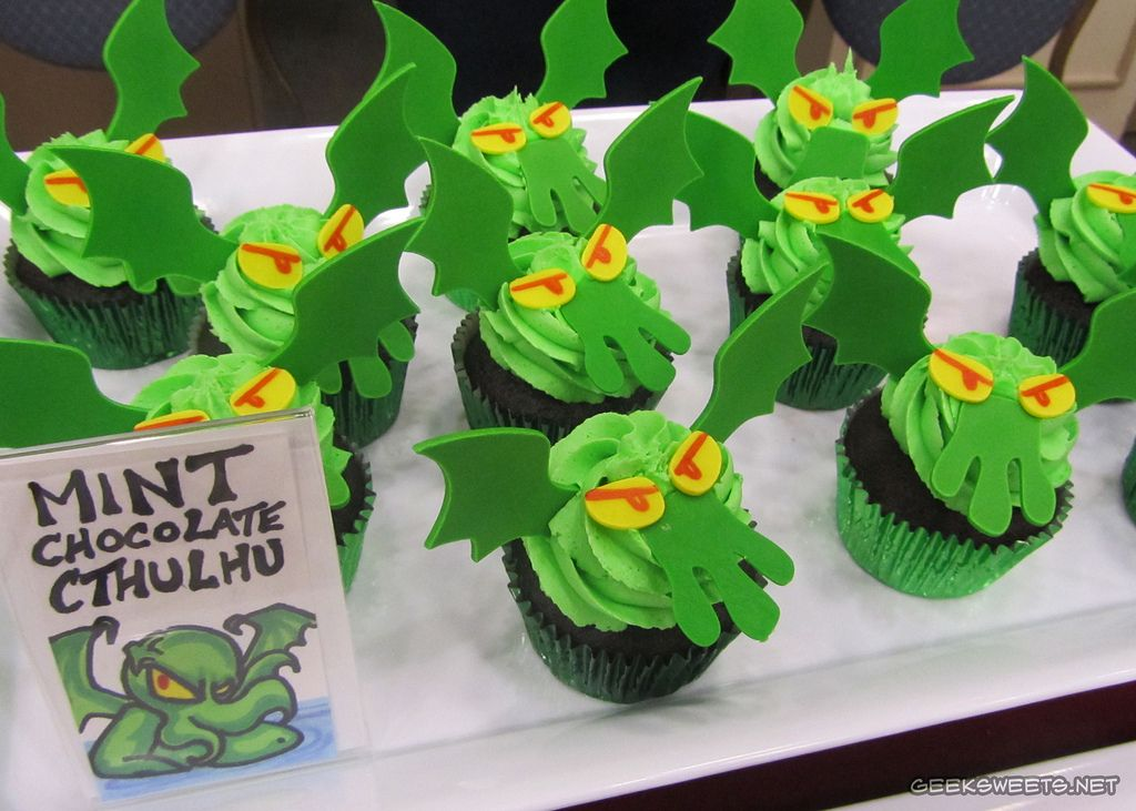 some geeky cupcakes the mint chocolate cthulhu cupcakes
