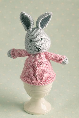 egg cosy bunny | Little cotton rabbits, Knitted bunnies ...