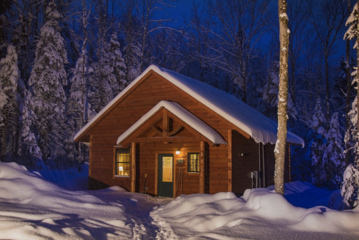 Warm Up By The Fire At The Robert Frost Mountain Cabins In Vermont All Winter Long In 2020 Cabin Mountain Cabin Timber Frame Cabin