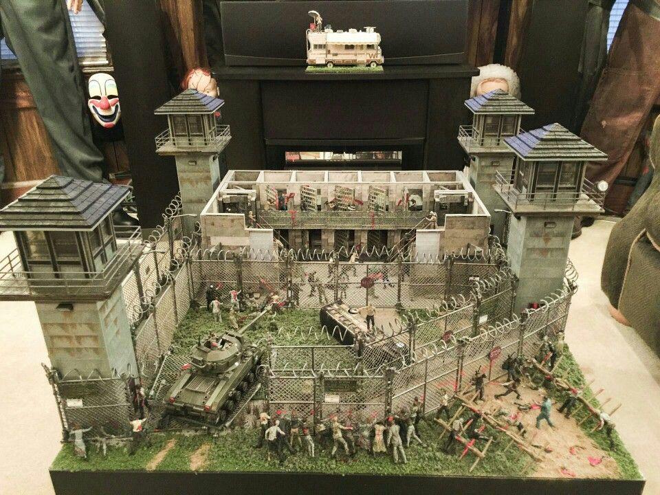 Scott Doland S Walking Dead Prison Diorama 6 Walking
