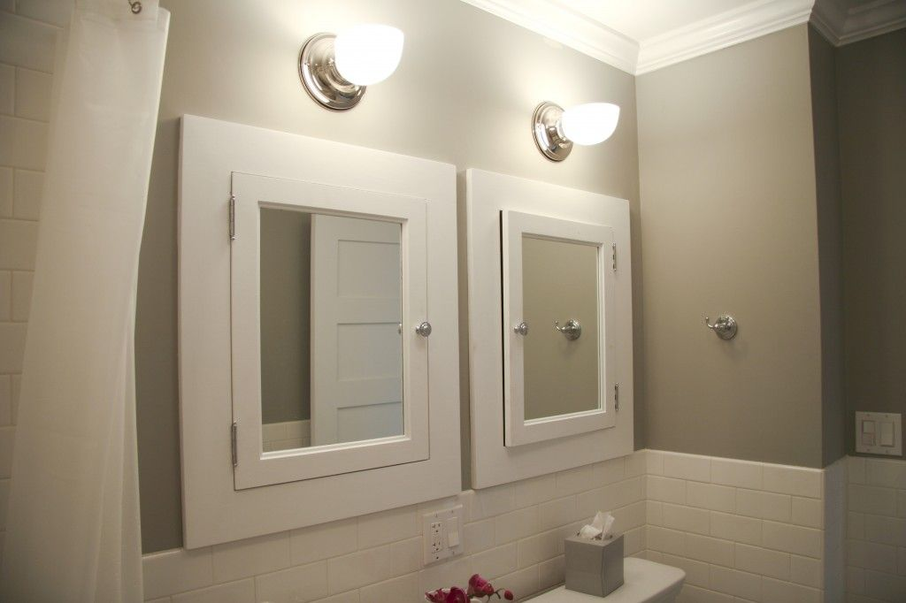 Benjamin Moore Seattle Mist Walls Super White Trim