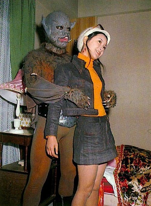 緑川ルリ子(真樹千恵子)と人間蝙蝠