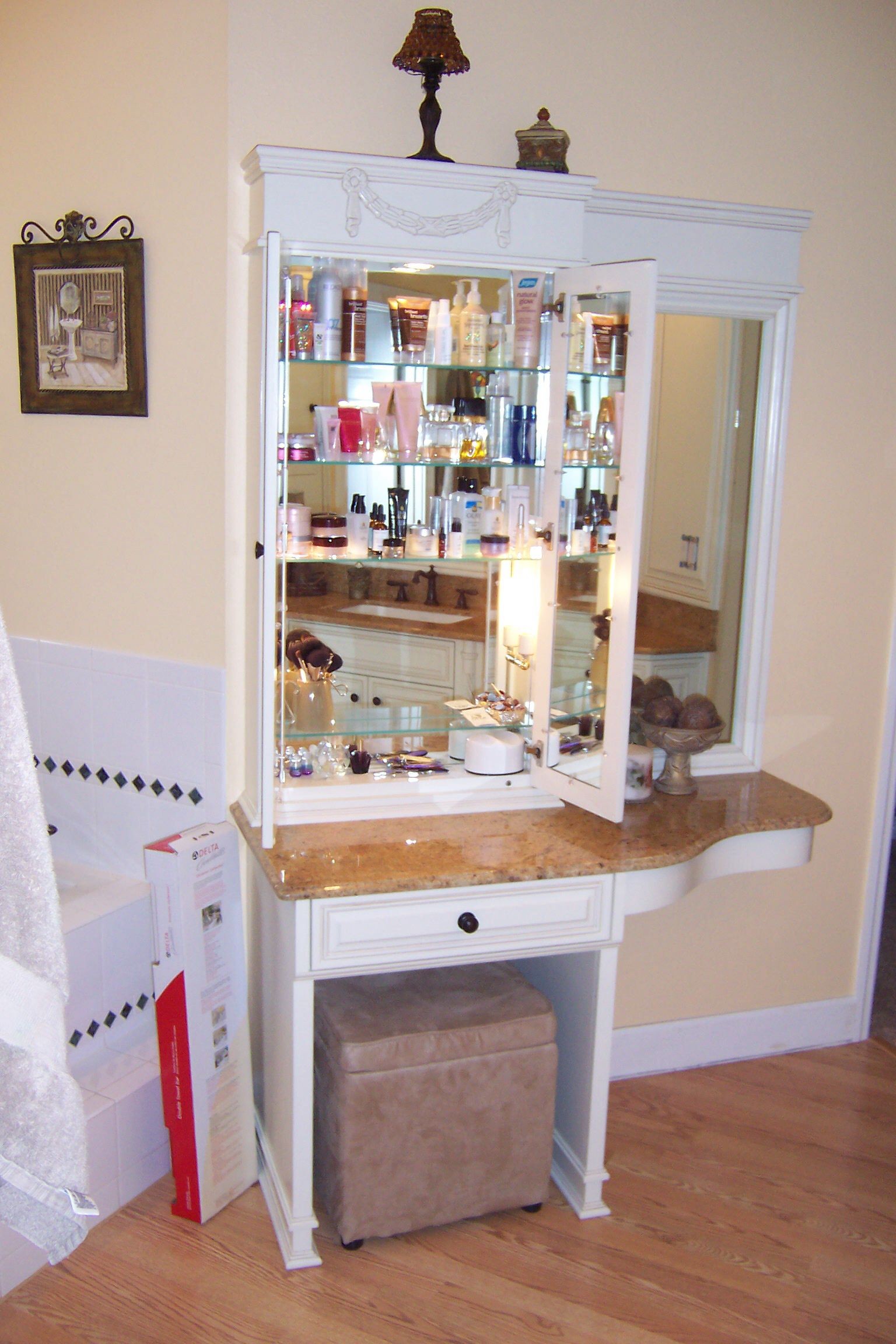 Mirror And Lighted Makeup Cabinet By Modern Cabinet Design Llc Moderncabinetdesign Yahoo Com Cabinet Design Modern Cabinets Cabinet
