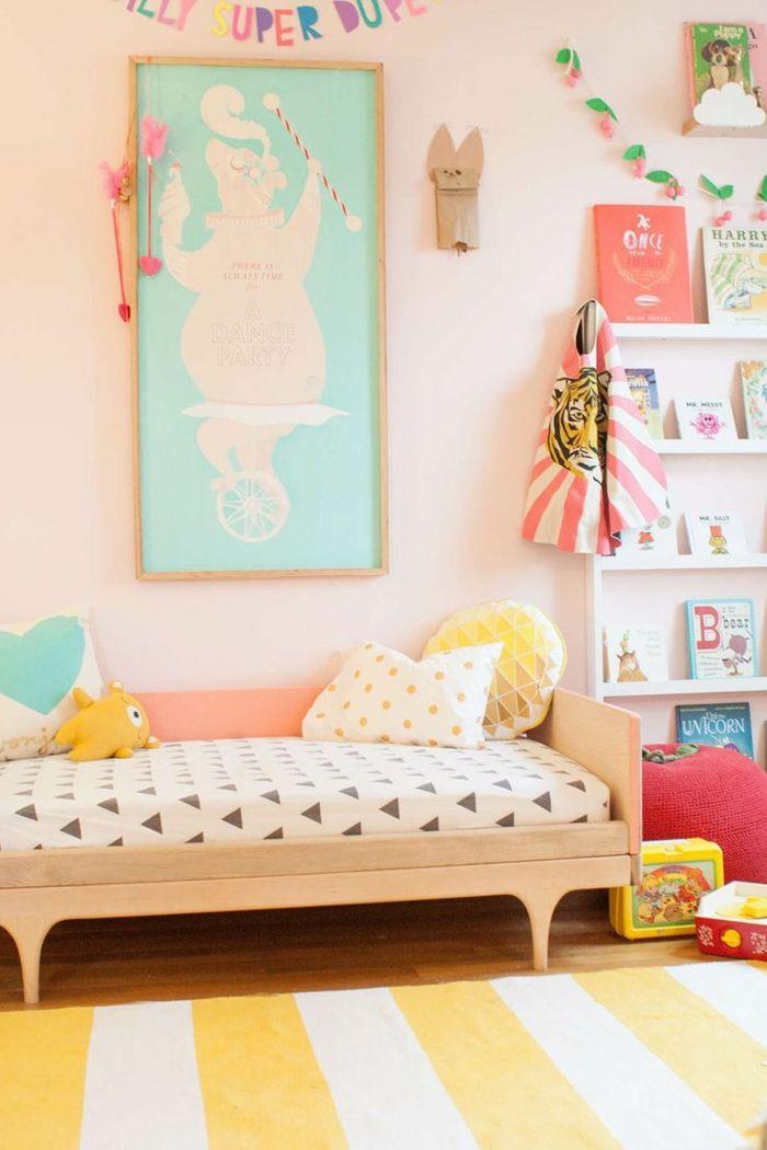 awesome wohnzimmer einrichten tipps bodenbelag teppich gelb weiß ...