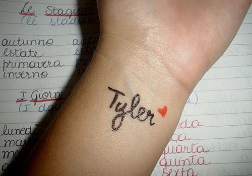 Boyfriend Name Tattoos On Wrist