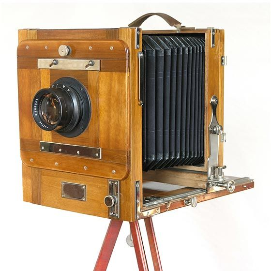 Believe It An Antique Of The Oldest Camera In History The