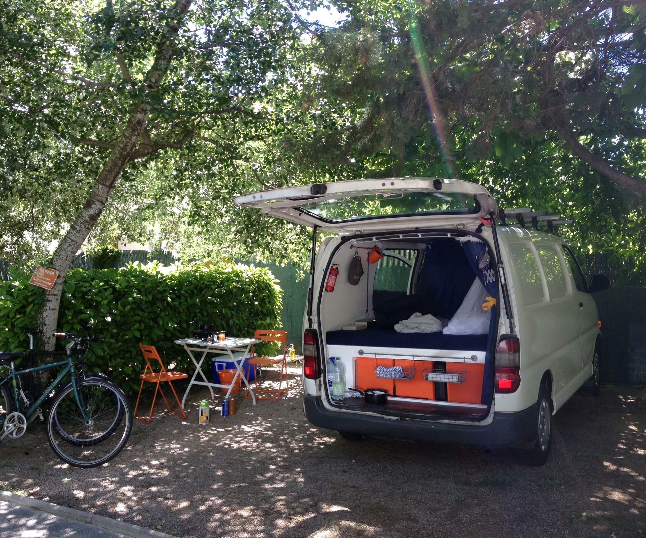 8867cb8d143253 This camper conversion is a very simple one. Our plan was to buy a van