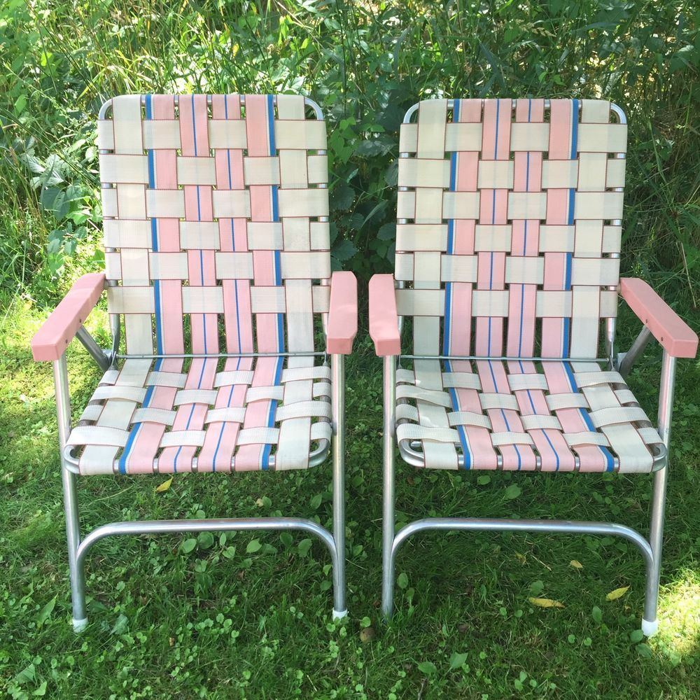 Vintage folding lawn chairs - Lot 2 Vintage Aluminum Frame Woven Webbed Folding Metal Lawn Chairs Pink Unbranded