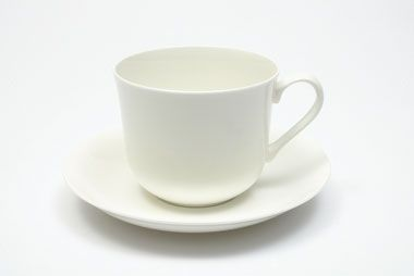 Our Cashmere Breakfast Cup & Saucer 480ml is great for people who like a big cup of tea in the morning.
