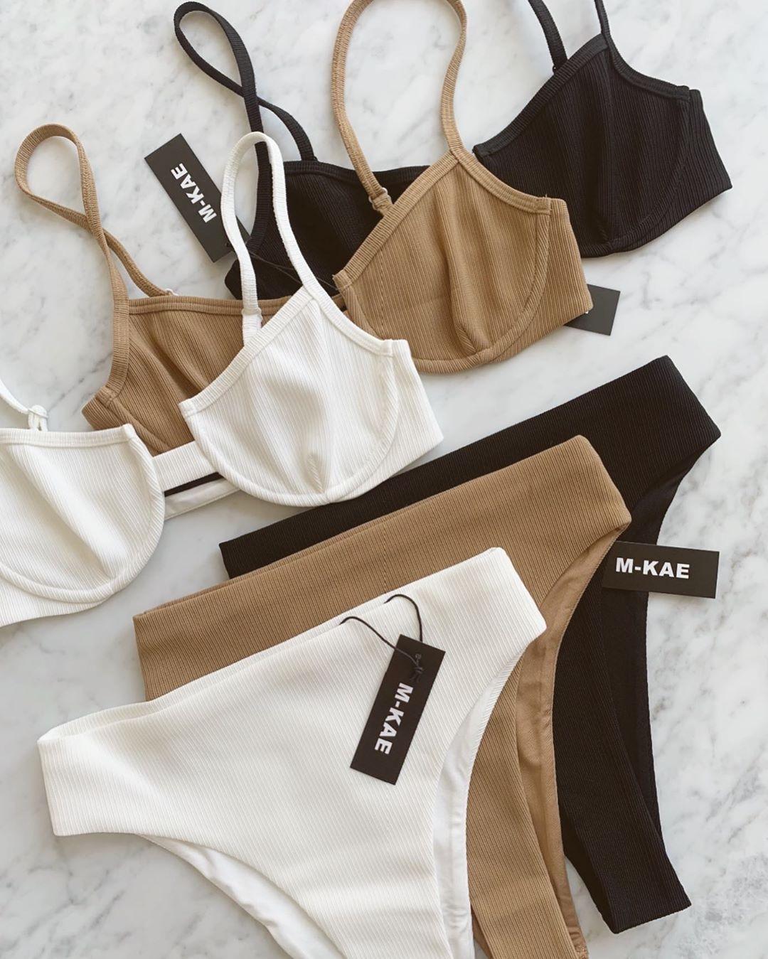 Белье женское купальники женские тела без лицо в нижнем белье