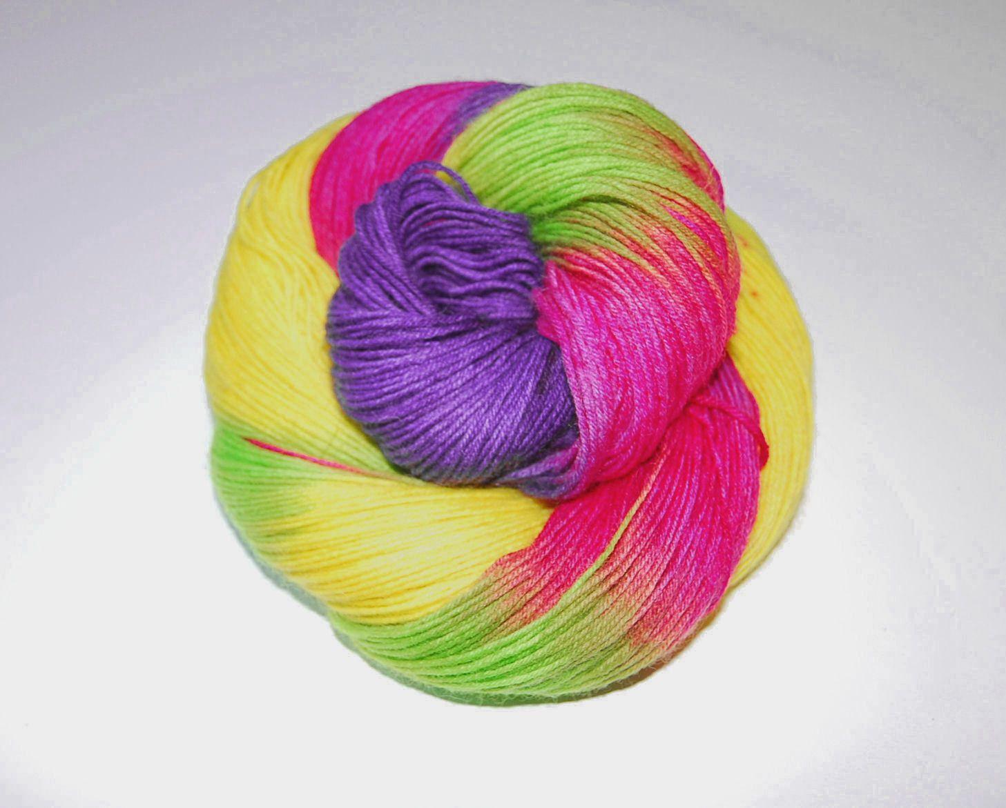Samba Sockenwolle Fb 4276 Superwash Aus 75 Schurwolle Und 25 Polyamid Sock Wool Superwash Quality 75 Virgin Wool 25 P Farbverlaufswolle Farben Handarbeit