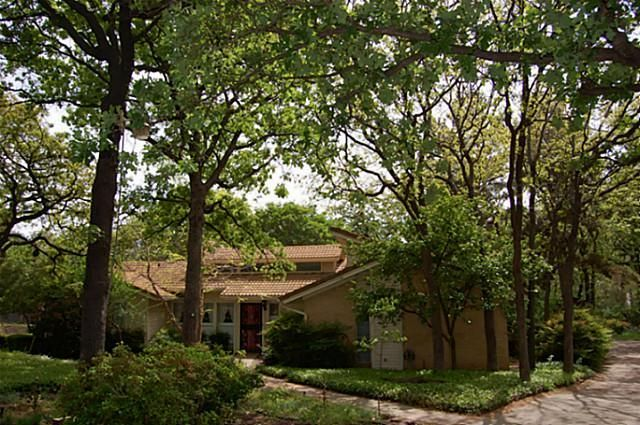 This home is nestled on a quiet, private cul-de-sac lot with the natural beauty of nature surrounding it. In Colleyville, #Texas