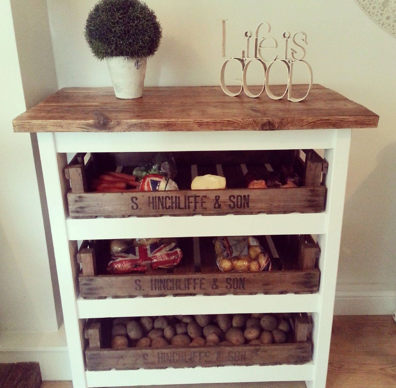 Pin By Helen Findlay On Kitchen Style In 2020 Shabby Chic Kitchen Kitchen Vegetable Storage Chic Kitchen
