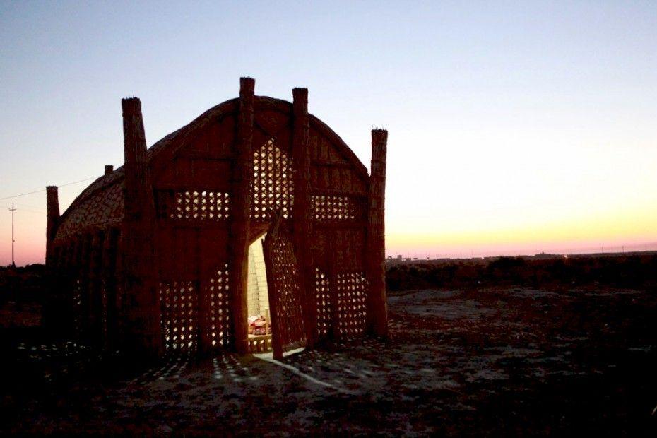 Casa-cesta flutuante do Iraque.