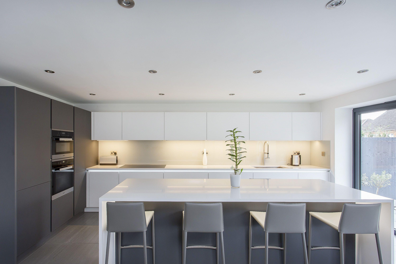white and grey glass handleless nolte matrix art kitchen kitchen pinterest k chen ideen. Black Bedroom Furniture Sets. Home Design Ideas