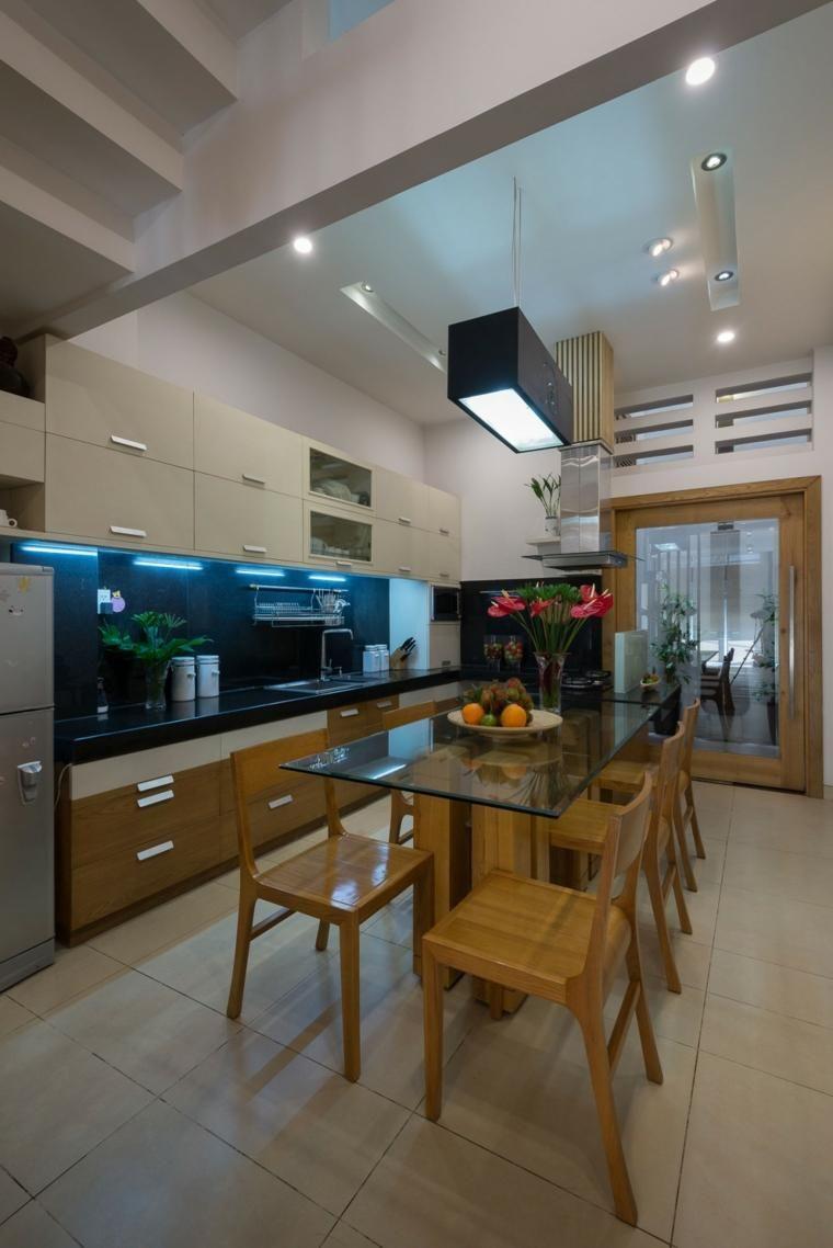 Wohnmöbel des natürlichen Designs im modernen Haus | Hauseingang ...