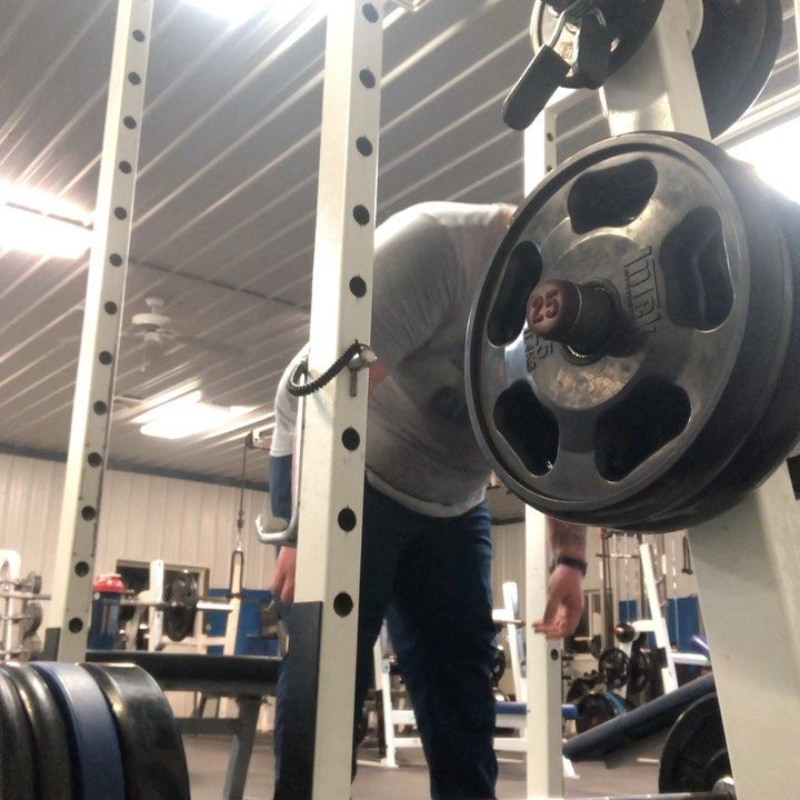 Now I do 405lb pulls raw  1/8/2020  #raw #nostraps #gym #fitness #workout #bigmansmallifts