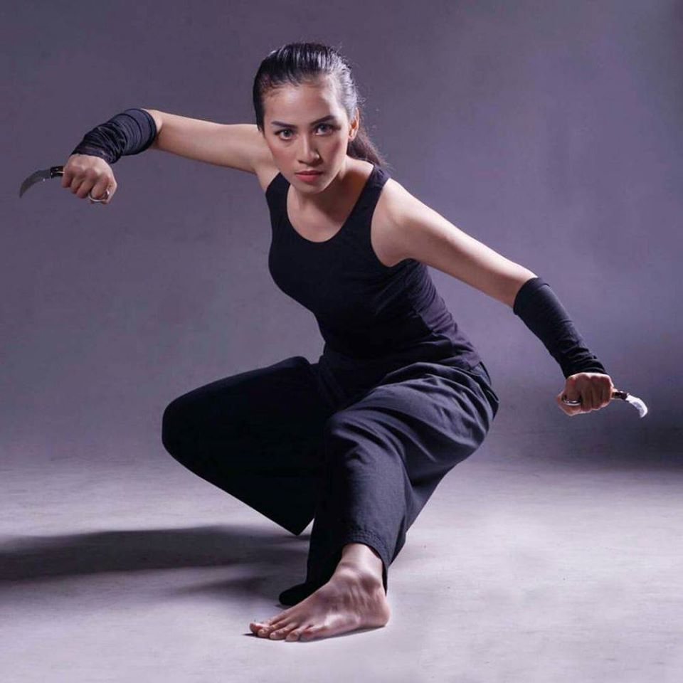 Chintya In 2020 Female Action Poses Human Poses Reference Fighting Poses