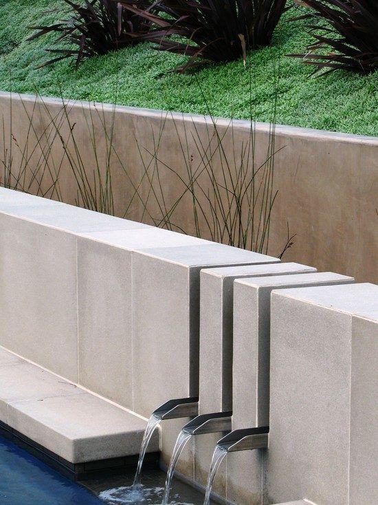 Wasserspiele Garten Schwimmteich Wasserfall Moderne Minimalistische Architektur Beton Becken