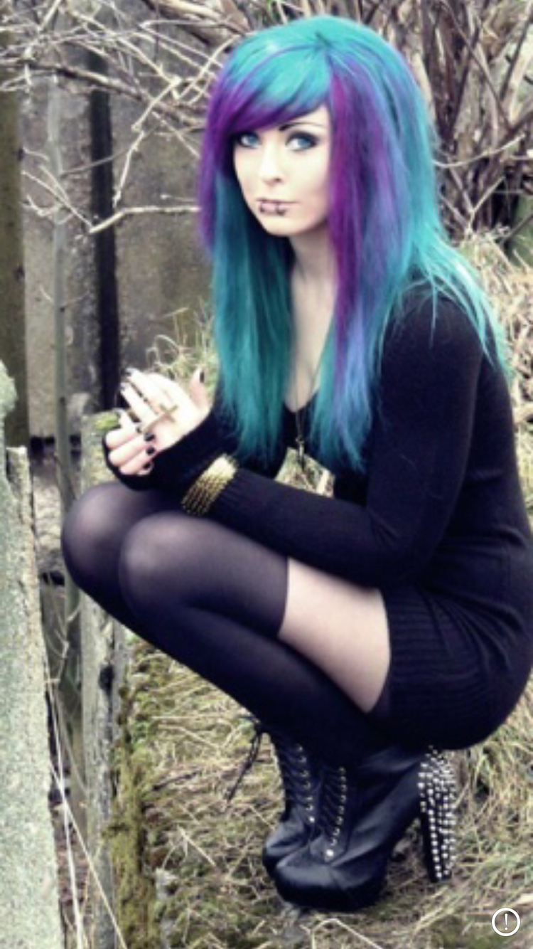 Pin by noeline m on mode pinterest emo hair coloring and emo girls