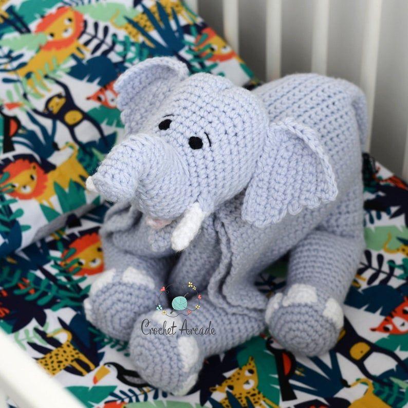 Filet Elephant Blanket Crochet Pattern - The Lavender Chair | 794x794