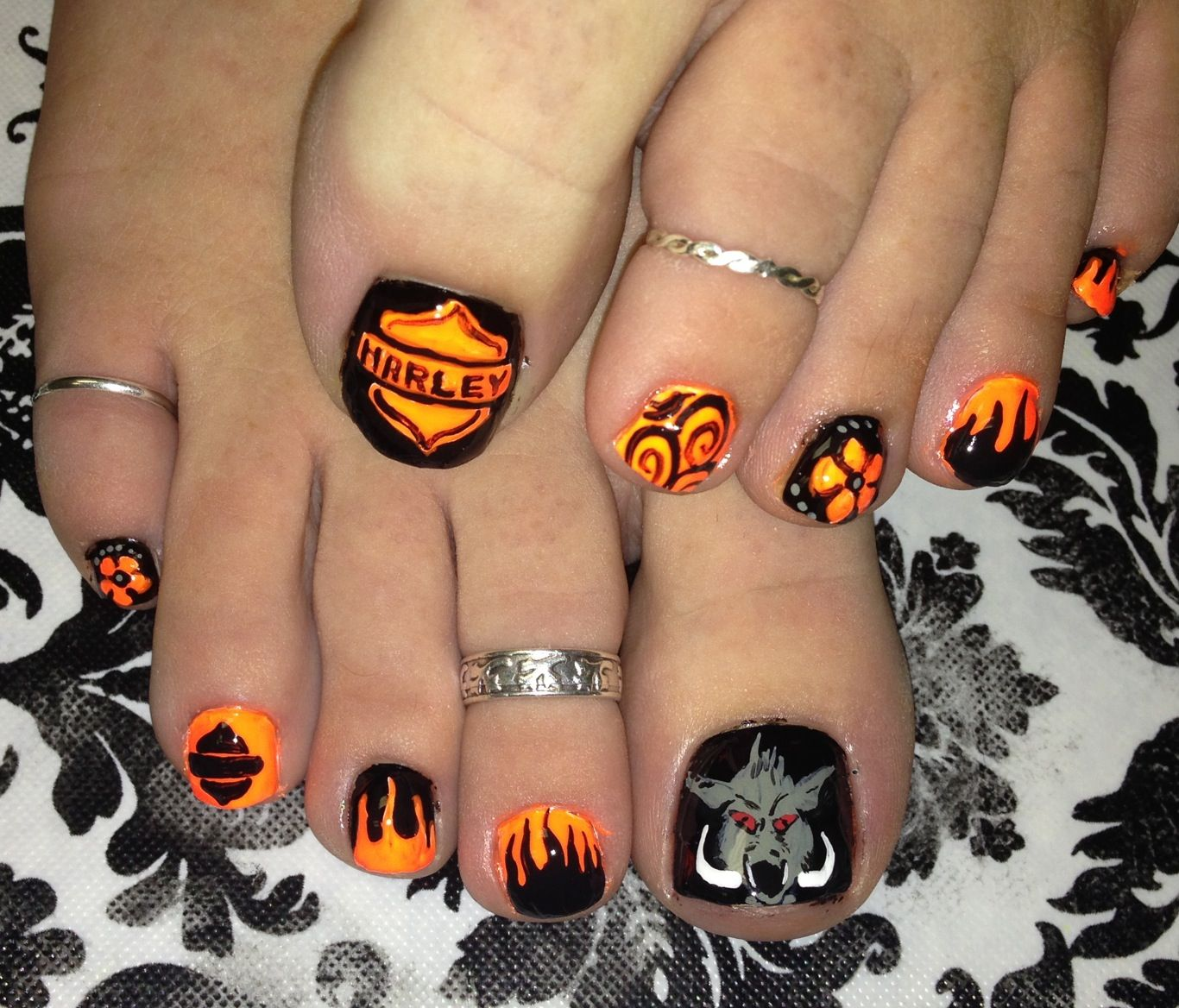 Harley Davidson nail art~ to be adapted for my fingers - 13 Ultra Cool Harley Davidson Nail Designs In 2018 Harley Davidson