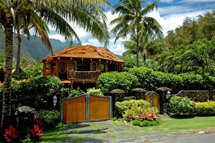 The Hawaii Hobbit House In The Pukalani Falls Neighborhood In Waimanalo On The Island Of Oahu