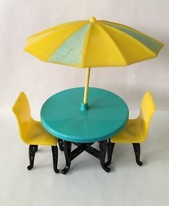 Plasco Patio Table Umbrella Chairs Vintage Dollhouse Furniture 1 16 Renwal Marx   eBay