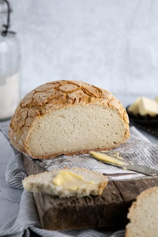 Gluten Free Artisan Bread In A Dutch Oven No Rise Super Fast Video Recipe Video In 2020 Dutch Oven Recipes Dutch Oven Bread Gluten Free Bread