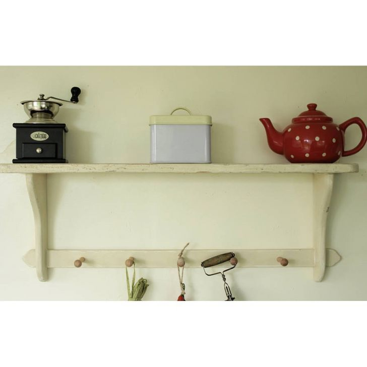 Country Cottage Shelf And Wooden Peg Rail Country
