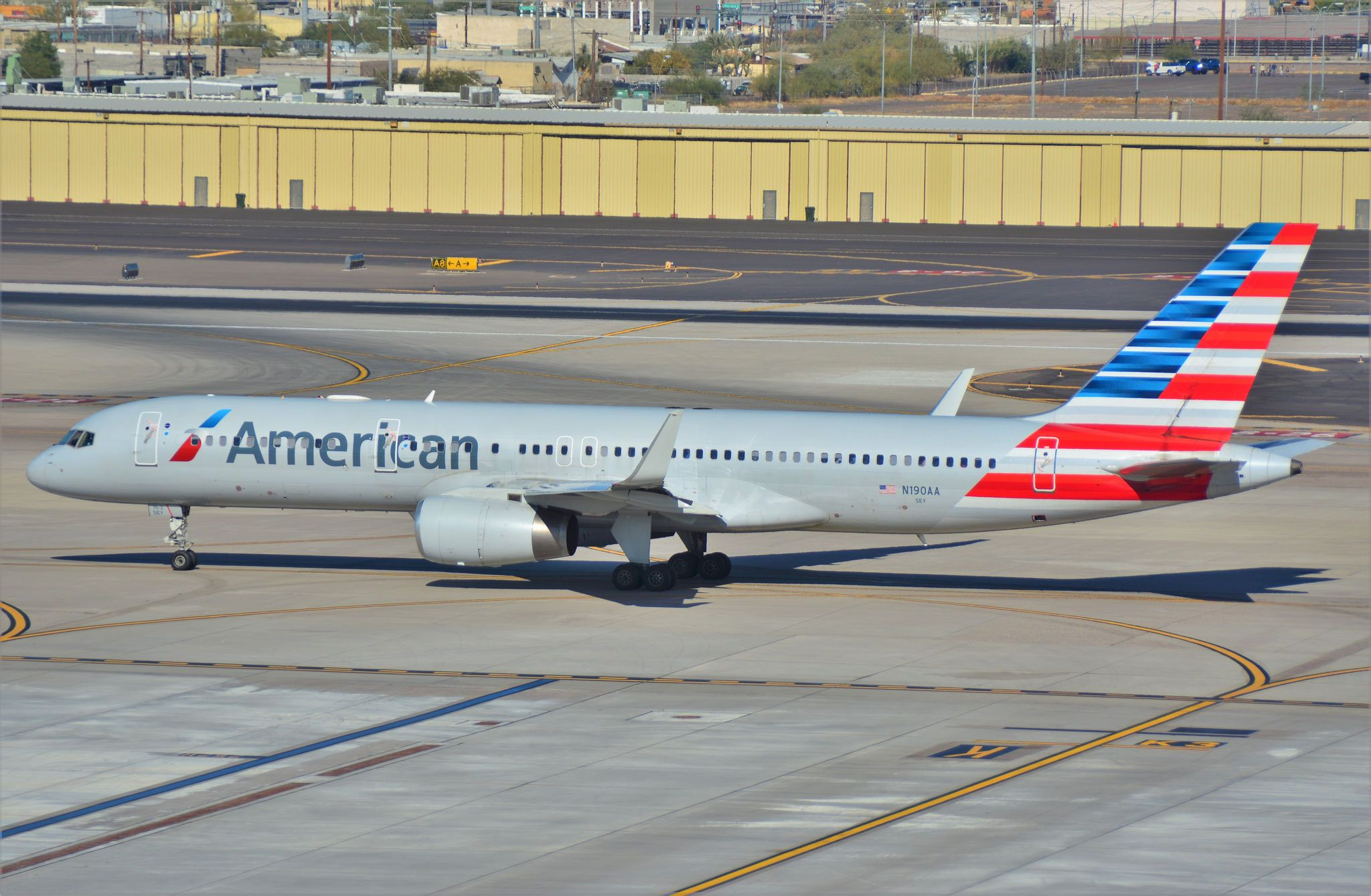 American Airlines Boeing 757 200 Taxing Out Of Phoenix Sky