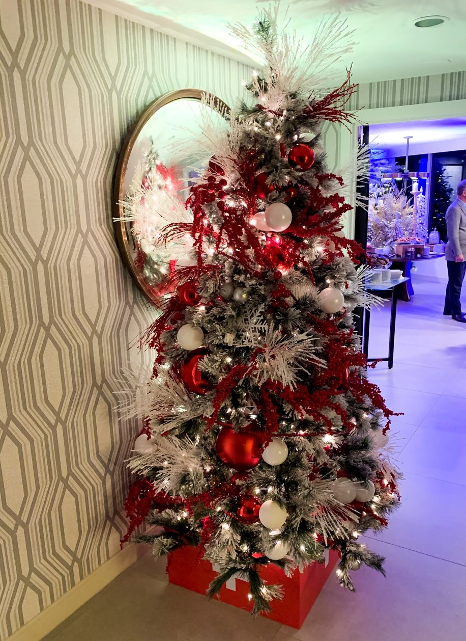 Santa Suite Chicago at the Swissotel - Later Ever After, Blog (With images)   Chicago christmas ...